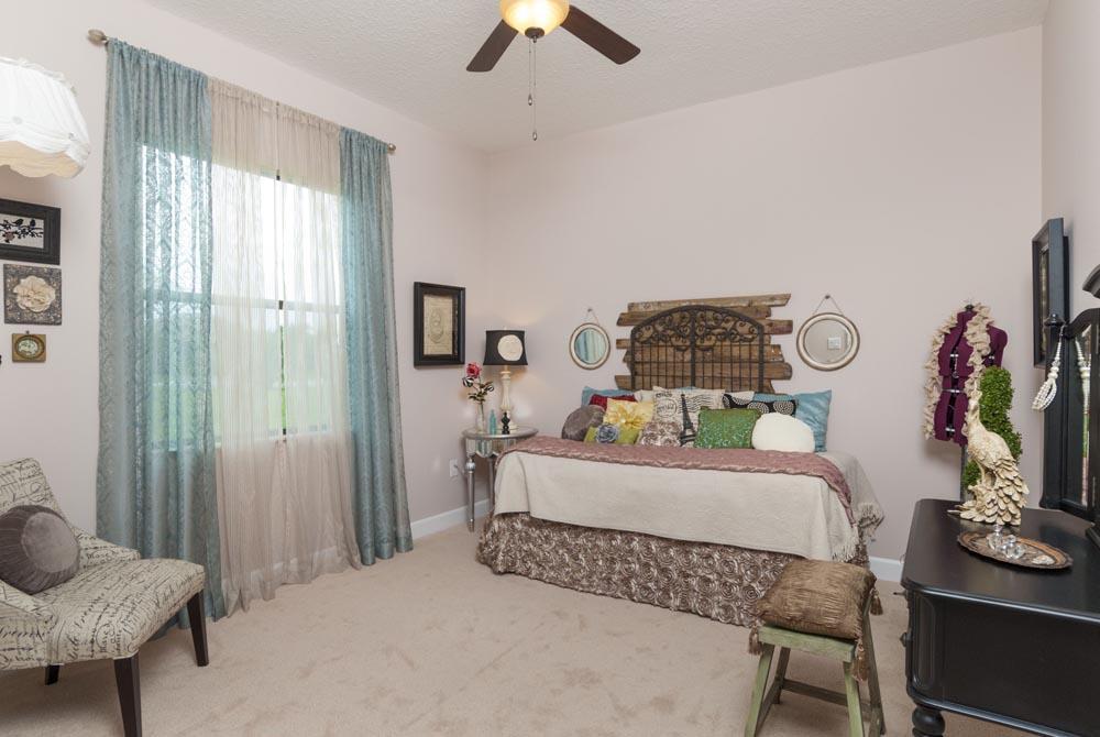 15-guest bedroom 1