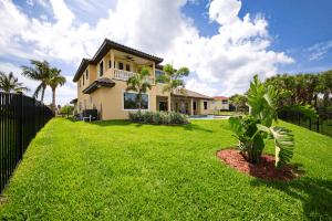 46Mediterranean-Style-Custom-Home
