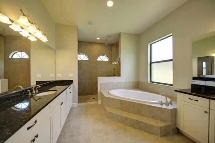 15Master Bath