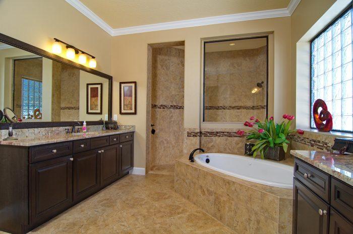 15Master_Bathroom