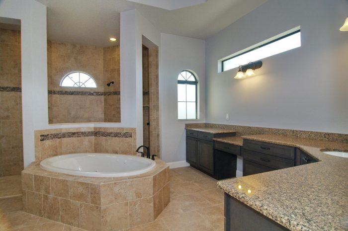 20Master_Bathroom1