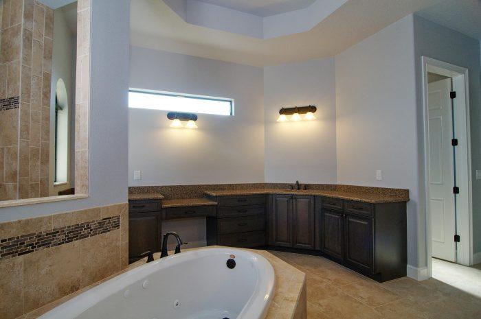 21Master_Bathroom3