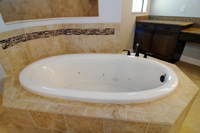 22Master_Bathroom2
