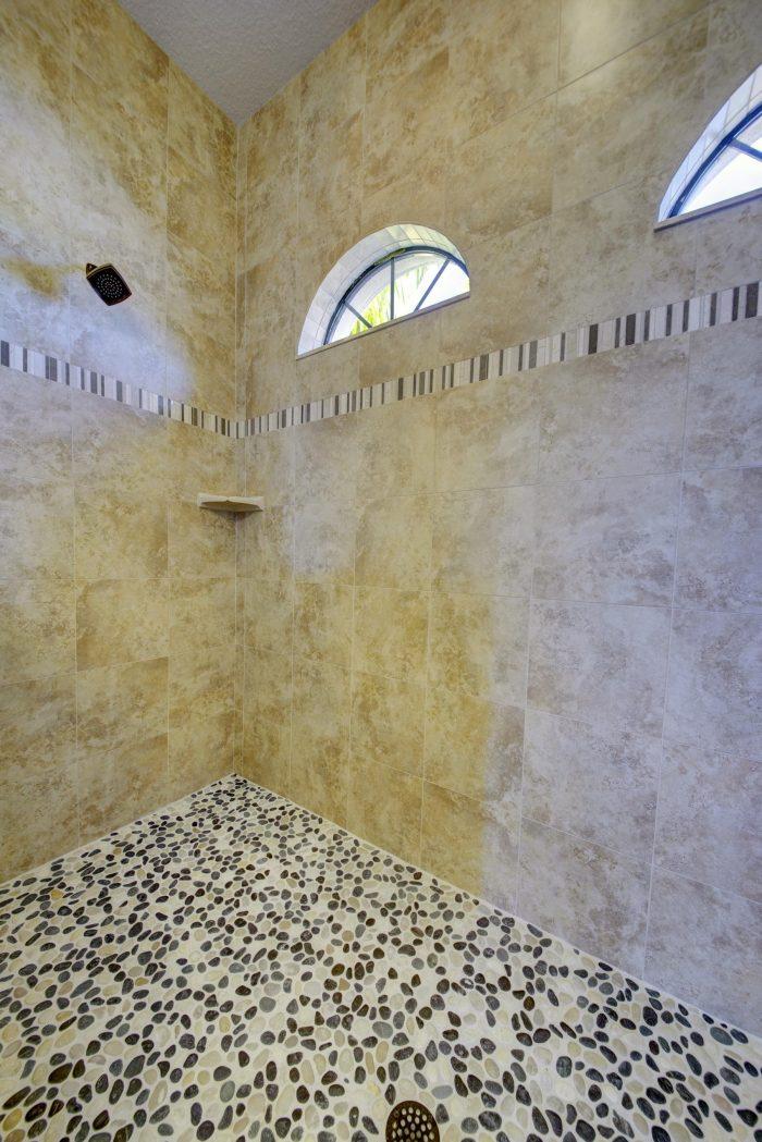 27Tile_Pebble Walk-in Shower